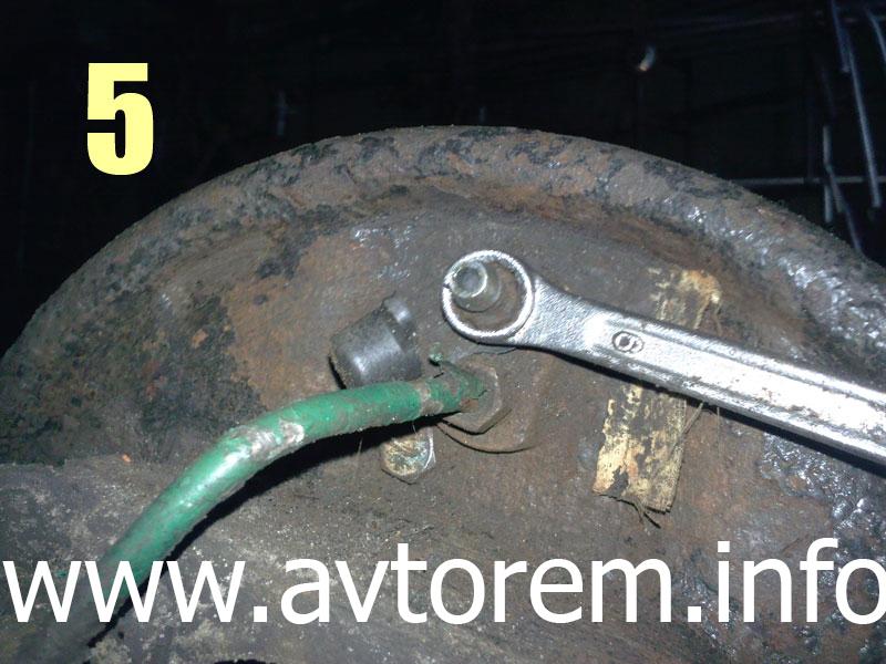 Клапан для сброса воздуха на заднем тормозном цилиндре Daewoo Lanos, Daewoo Sens, Zaz Lanos, ZAZ Chance