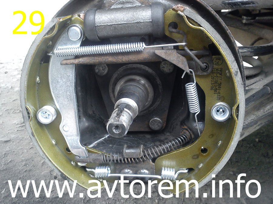 Как производится замена задних тормозных колодок Шевроле Ланос