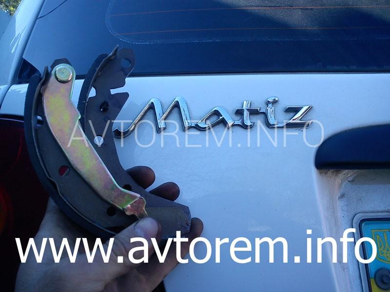Как заменить задние тормозные колодки Дэу Матиз