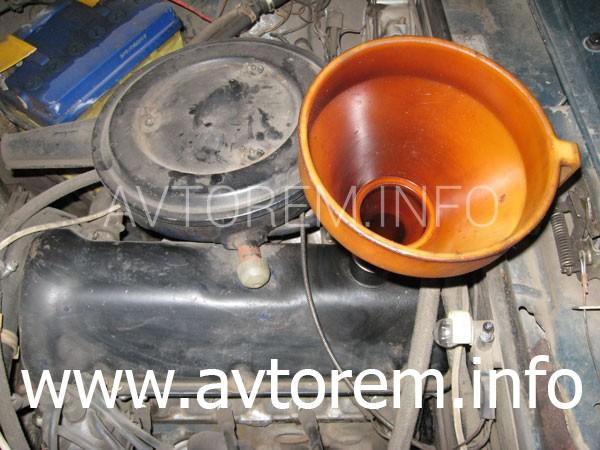 Замена масла и масляного фильтра в двигателе на автомобиле ВАЗ-2101, ВАЗ-2102, ВАЗ-2103, ВАЗ-2105, ВАЗ-2106, ВАЗ-2107, Жигули, Классика