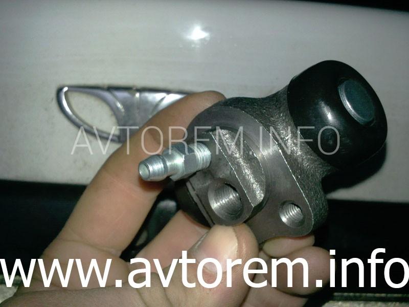 Как заменить задний тормозной цилиндр на автомобиле Daewoo Lanos