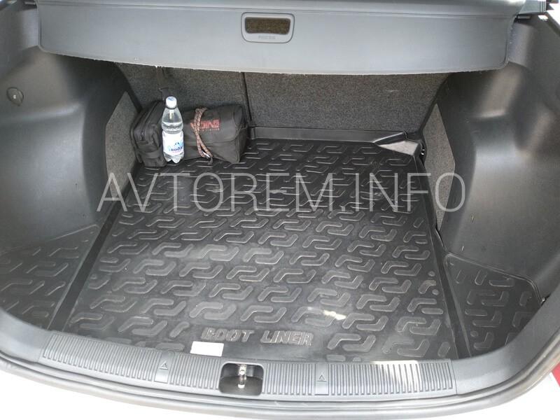 вещевые отсеки в багажник фабия универсал 2